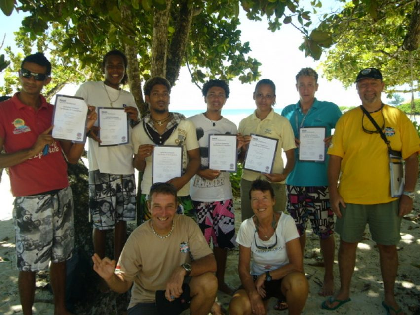 Congratulations for our 7 new PADI Instructors !